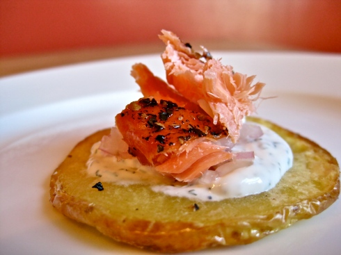 Smoked salmon canap s on potato crisps savory salty sweet for Smoked salmon canape